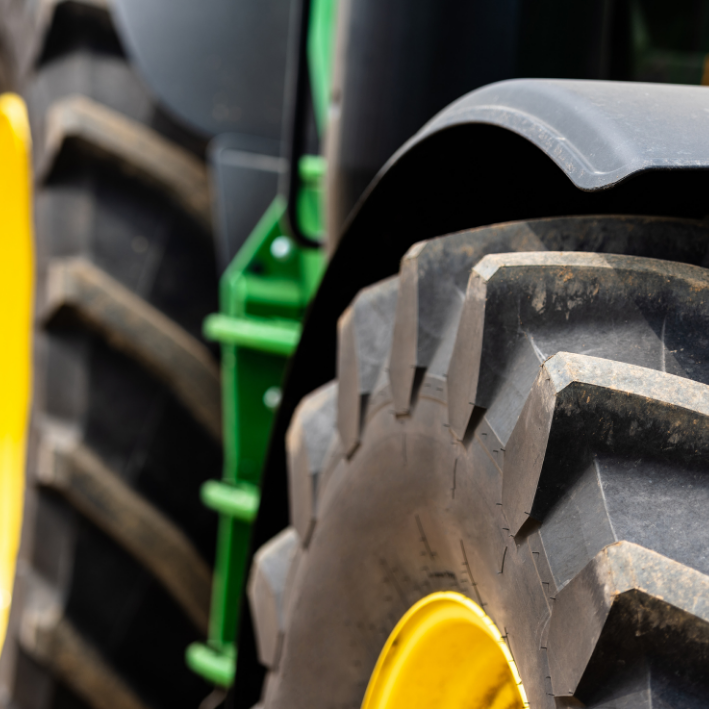 Registratieplicht landbouwvoertuigen, regel een kentekenplaat met korting